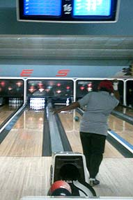 Veterans go bowling